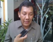 Kepala_Bapeda_Mangatas_L_Tobing-253x200
