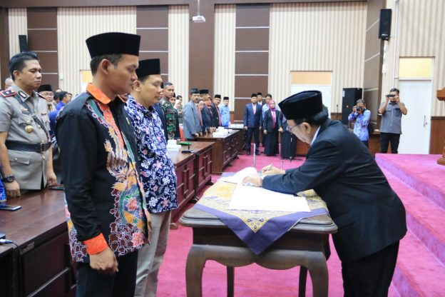 Penandatanganan NPHD Menyongsong Pilkada Kabupaten Blitar Tahun 2020