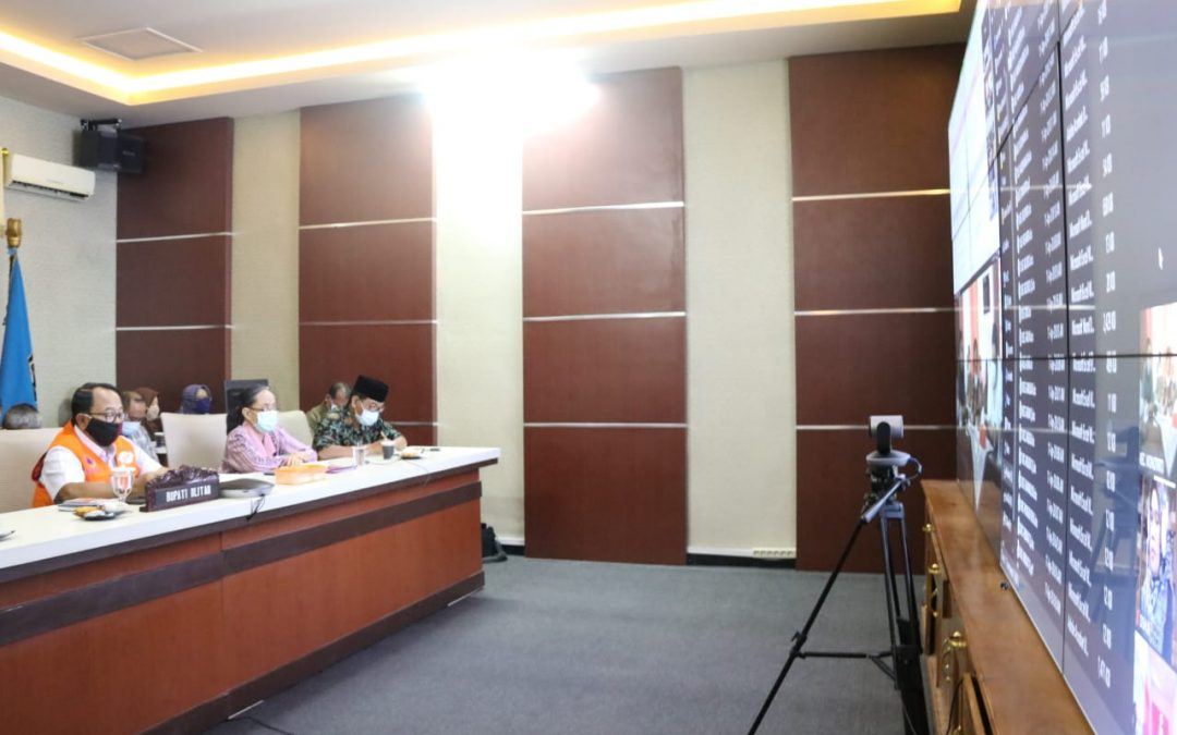 Pimpin Rapat Evaluasi Penanganan Covid-19, Bupati Rijanto Tekankan Check Point di Masing-masing Wilayah