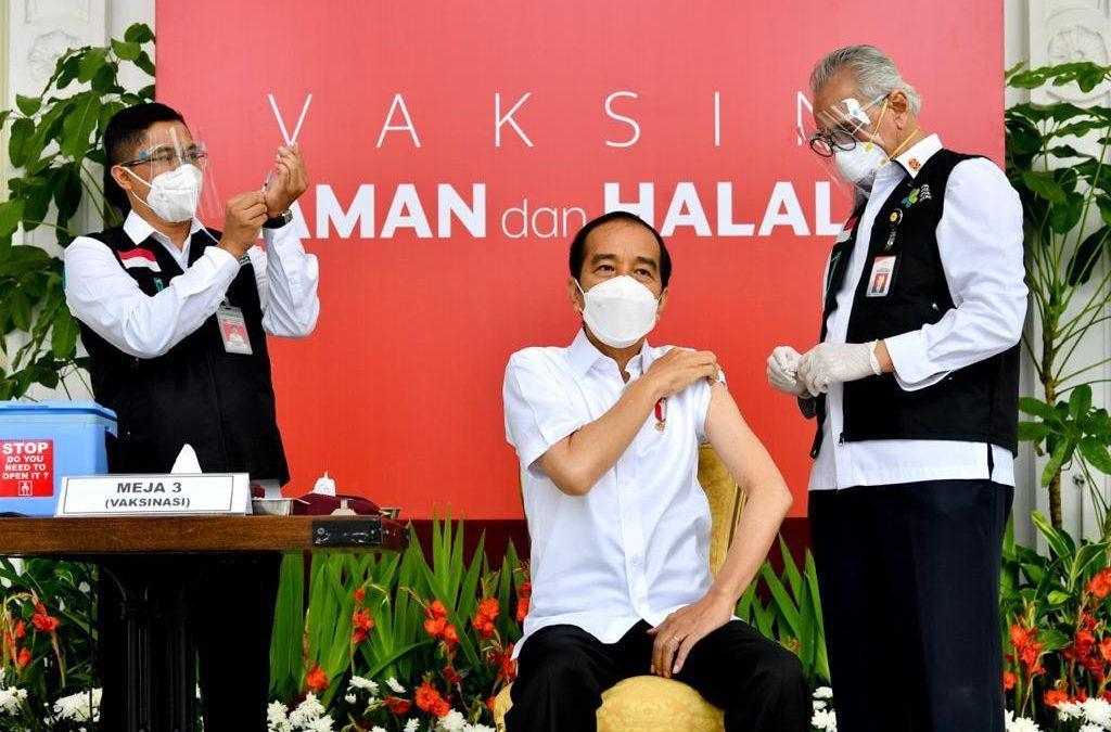 Diawali Presiden Jokowi, Vaksinasi Covid-19 Secara Gratis Dimulai di Seluruh Indonesia